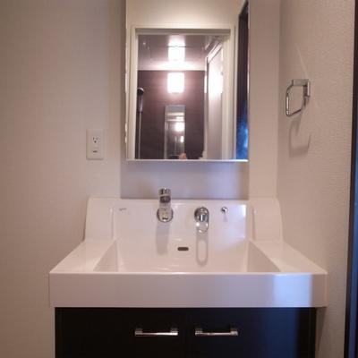 シンプルな洗面台がいい※写真は別部屋です。