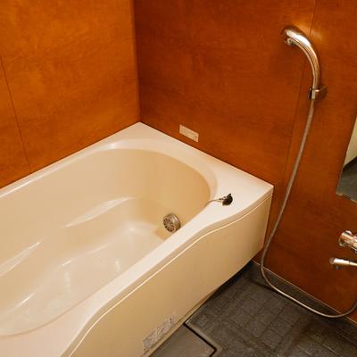 お風呂も追い炊きや乾燥機付いてます!