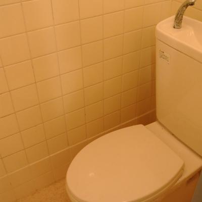 トイレもレトロ