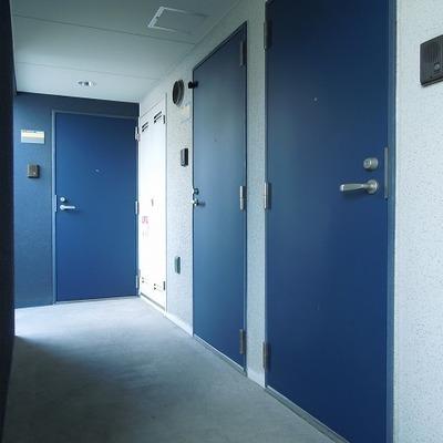 ドアの色がかわいい
