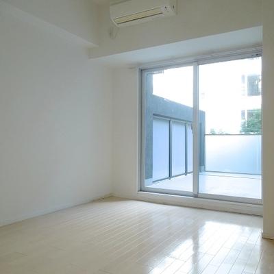ベランダのおかげでお部屋の広さが2倍に見える!?※写真別部屋