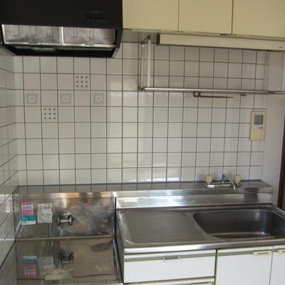 キッチンは古めです。