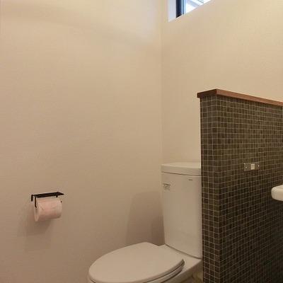 トイレは脱衣所の隣に。