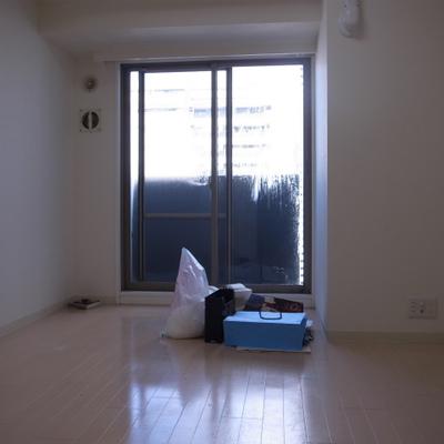 クリーニング中ですが、清潔感ありますよね。※写真は別部屋です!