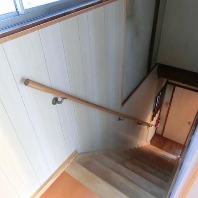 階段も新しくなっています