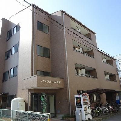 4階建てのマンションタイプです※写真は前回募集時のものです。