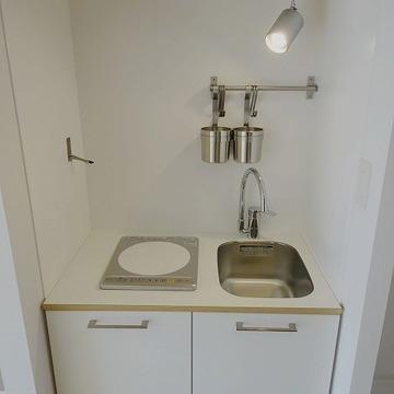 キッチンはIH1口、新品に交換しました※写真は前回募集時のものです。