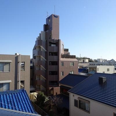 4階からはなかなかの眺めです