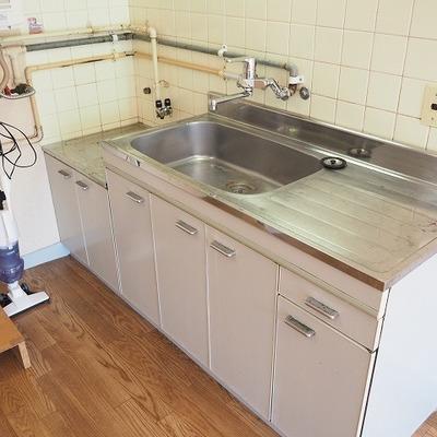 キッチンです。広め!