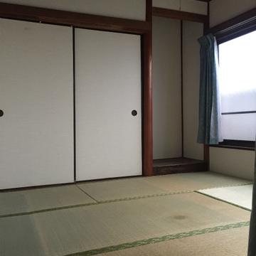 こちらは畳のお部屋。