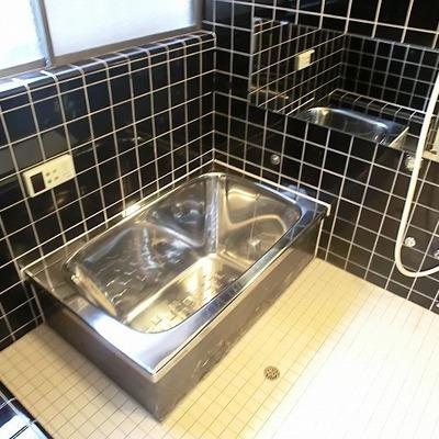 お風呂にはミラーを設置※写真は前回募集時のものです