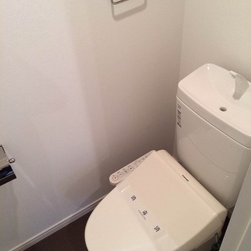 ウォッシュレット付トイレ新設です。 ※写真はイメージ