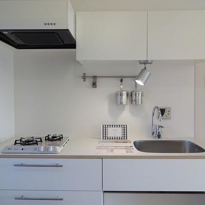 キッチンはTOMOS仕様の2口コンロです! ※写真はイメージ