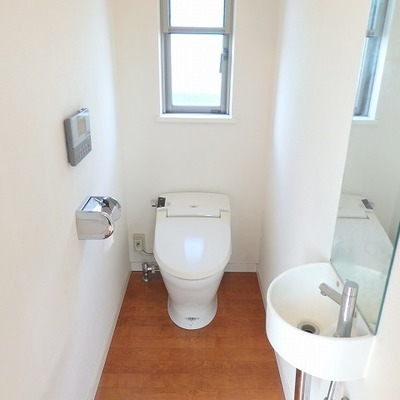 地下と階に2階にトイレ完備