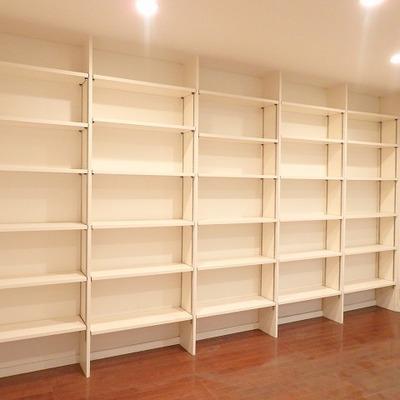 地下1階 ここに本をずらーーーっと並べたい!