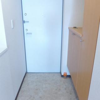 玄関にシューズボックスありますよ。※写真は別部屋です