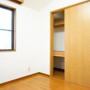 収納も押入れ大で容量◎※写真は2階反転間取り別部屋のものです