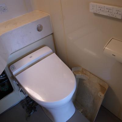 トイレはシャワートイレですよ