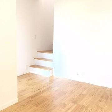 階段を臨む