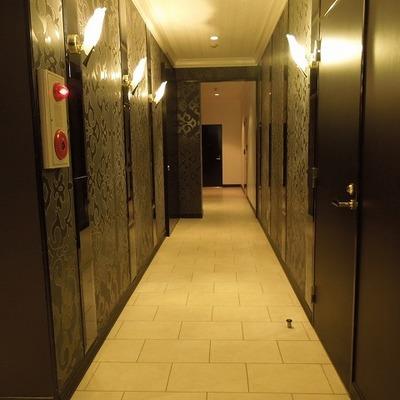 1階はビジネスホテルっぽい!?