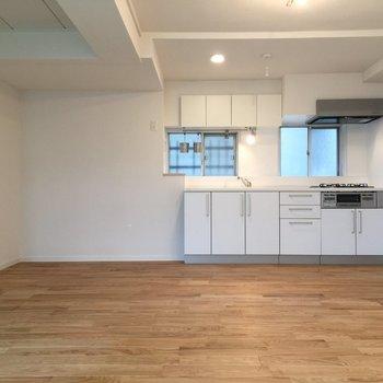 広々な空間、キッチンを軸に※写真は前回募集時のものです