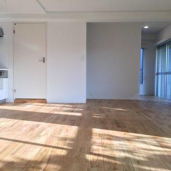 どんな家具とも相性◎無垢床の雰囲気を存分に※写真は前回募集時のものです