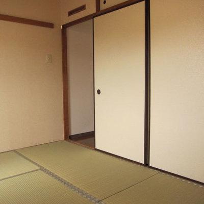 癒しの和室は6帖、洋室は5帖です。