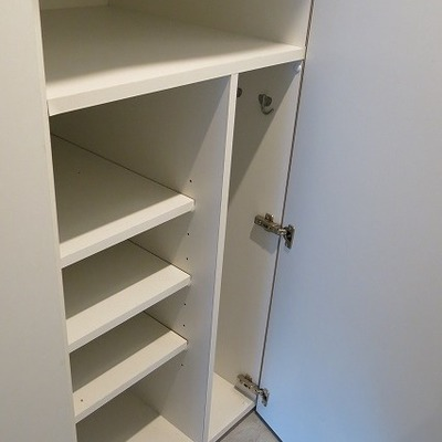 靴の収納は少なめ。※写真は2階の同間取り別部屋のものです