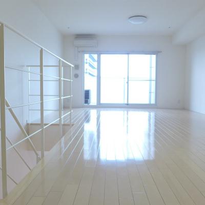 17畳の洋室は広い寝室に。気持ちが良いです!