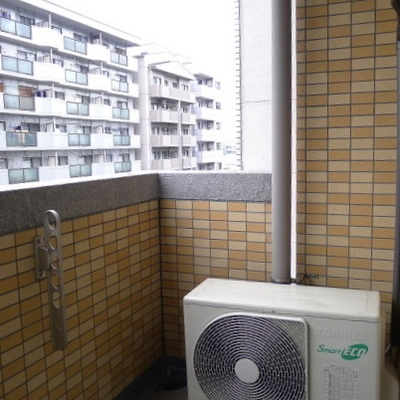 ベランダは洗濯物を干すスペースもあります!