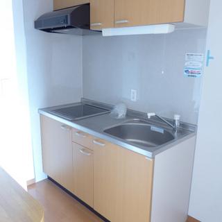 キッチンはIH、コンパクトですが十分です。