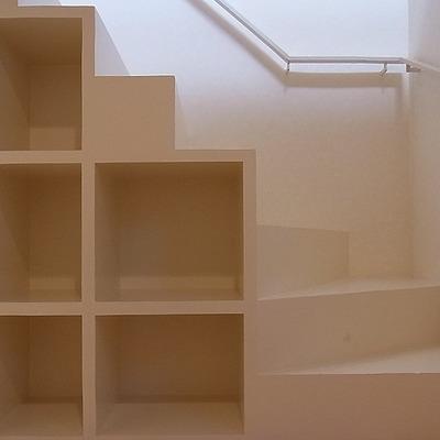 階段下収納で片付きますね※写真は別部屋