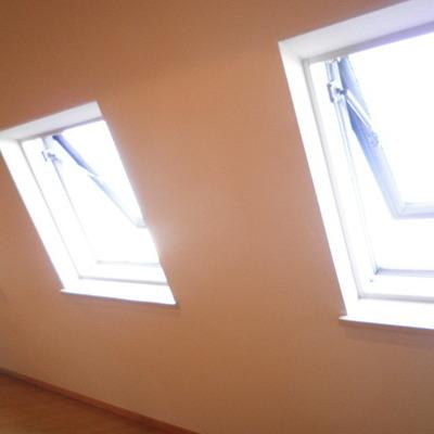 窓は大きく開きますよ。