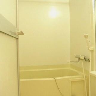 お風呂!※写真は別部屋です。