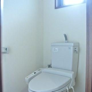 トイレ※写真は別部屋です。