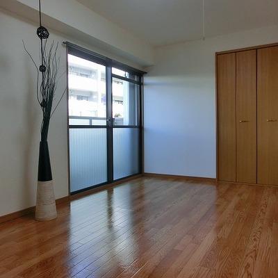 小部屋には2カ所の収納スペースがあります!