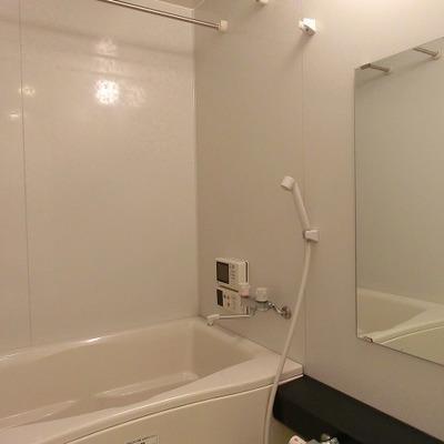 乾燥機付きの浴室です
