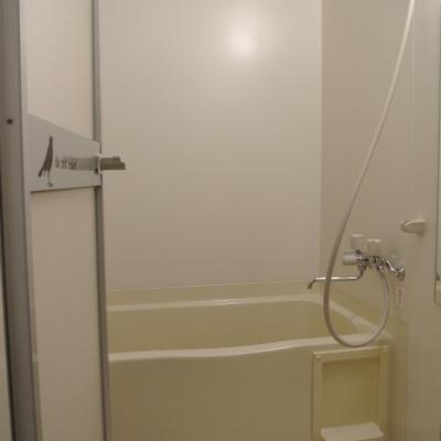 お風呂はコンパクトに※写真は前回掲載時のものです。