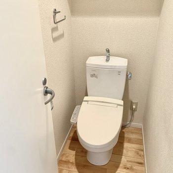 トイレもきれいですね◎※クリーニング前の写真です