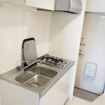 キッチンも一人暮らしには十分な大きさ