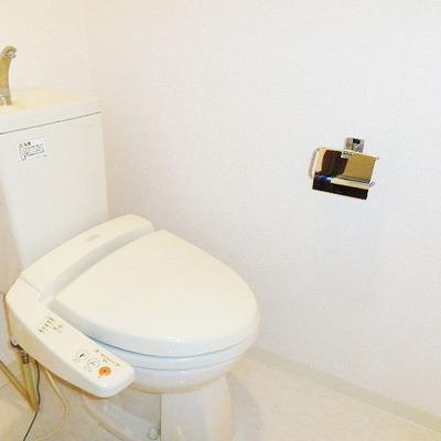 トイレもキレイです※写真は別部屋です