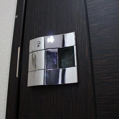 玄関扉、トイレやプダールーム等、様々名ドアにこの取っ手