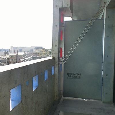 洗濯物干しの高さが自由に調整できます!