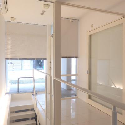 1階はこんな感じ。玄関とちょっとしたスペース。