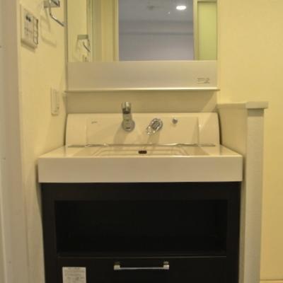 黒の洗面台