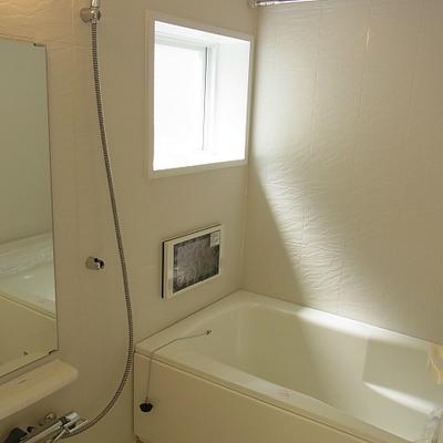 お風呂に窓は嬉しいですね