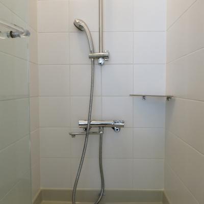 割り切りシャワールーム※写真は別部屋です
