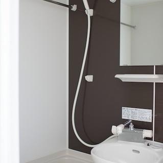 お風呂も前回工事で新しくなっています ※画像は別タイプのお部屋 ※写真は前回募集時のもの