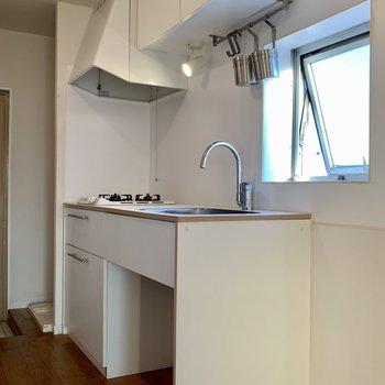 グッドルームオリジナルデザインのキッチンで、収納力たっぷり!