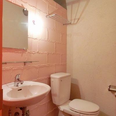 タイルやブロック壁とシンプルだからこそ出せる雰囲気ですね! ※写真は別部屋